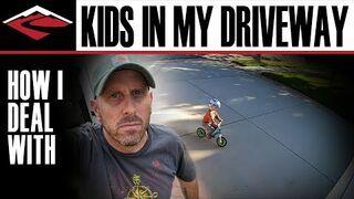 Dzieciak codziennie jeździł rowerem po jego podjeździe. Zobacz co zrobił!
