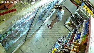 Kradzież w sklepie i ukrywanie towaru w majtkach