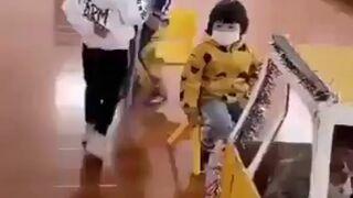 Japońskie dzieci uczą się korzystać z komunikacji miejskiej