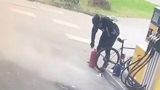 Pompowanie roweru gaśnicą
