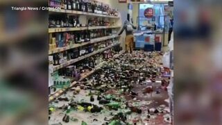 Kobieta walczy z alkoholizmem w supermarkecie