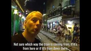 Uliczka THE CRAZIEST STREET IN VIETNAM