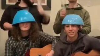 Muzykalni chłopcy
