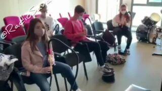 Nauka gry na flecie w maseczkach