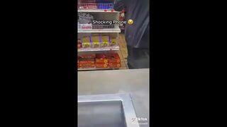 Zuchwała kradzież w sklepie