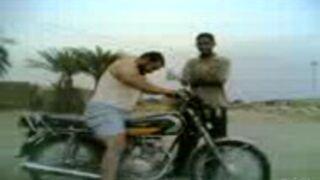 Bolesny koniec pierwszej jazdy na motocyklu