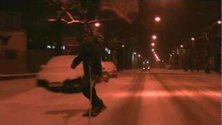 Snowboardzista zawstydził drogowców