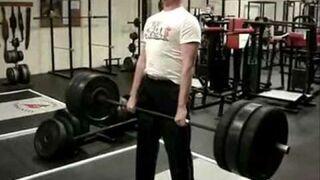 Gość podnosi 200kg i mdleje