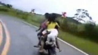 Cała rodzina na motocyklu