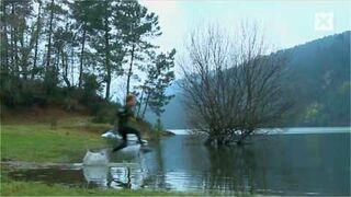 """Nowy sport: """"Bieganie po wodzie"""""""