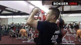 Tomasz Adamek ćwiczy na Burn Machine