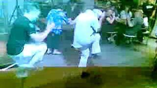 Dziadek tańczy do Lady Gagi