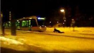 Na sankach za tramwajem