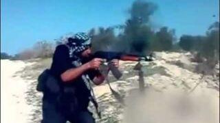Talib z badziewnym kałachem