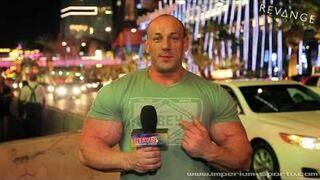 Hardcorowy Koksu terroryzuje Las Vegas w poszukiwaniu sylikonu!
