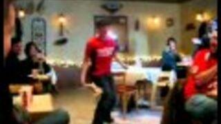 Żongler pizzą