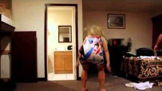 Jak kopnąć się kolanem w twarz