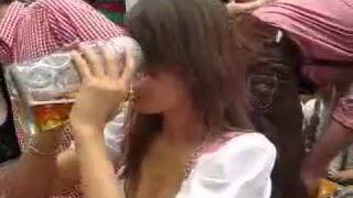 Dziewczyna: Piwo w niecałą minutę