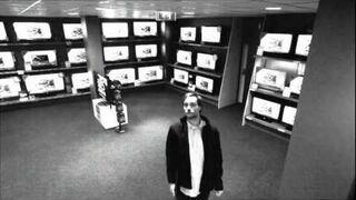 Smart thief caught on cam