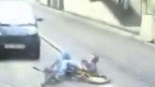 BMX Near - Suicide Jump Fail