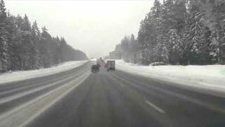 Jak niebezpieczne są nieodśnieżone drogi!