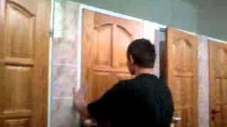 Szpadel vs. Drzwi