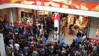 Otwarcie sklepu H&M kolejka 3000 osób