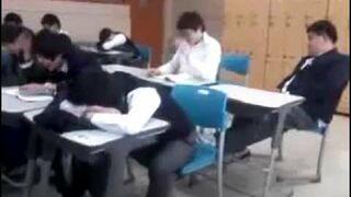 Śpioch na lekcji