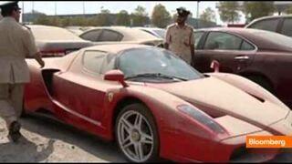 Porzucił Ferrari warte 1 mln dolarów na pustyni.