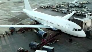Mowa ludzka z nieba - babcia dzwoni na lotnisko