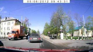 Przykozaczył. Wpadka na motocyklu w Rosji