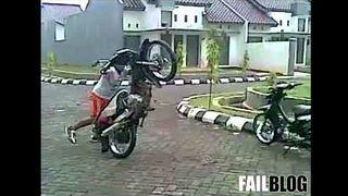 Indonesian Motorcycle Wheelie FAIL