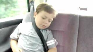 Jak obudzić śpiące dziecko