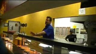 Abuelo VS vendedor de pizzas