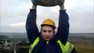 Żart z workiem cementu!