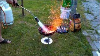 Bardzo szybkie rozpalanie grilla