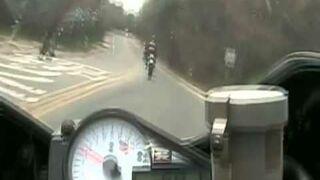 Nieudany szpan motocyklisty