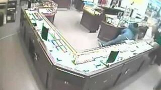 Robber in the store had no luck
