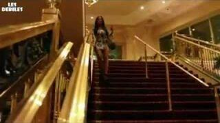 Kobieta na schodach