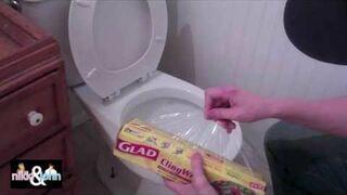 Zaklejona toaleta