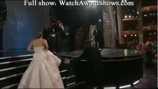 Upadek Jennifer Lawrence - AMA 2013