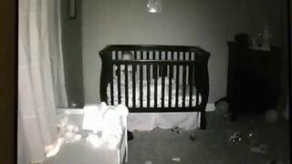 Co robi dziecko w nocy?
