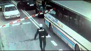POLICJA Lębork - policjant zapobiegł katastrofie