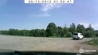 Rosja: Samochód wyleciał w powietrze na 30 metrów