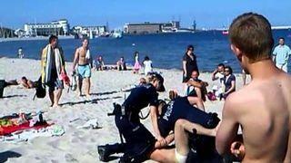 POLSKA POLICJA SOBIE RADZI - WARIAT GDYNIA - TAK SIĘ BAWI GDYNIA !