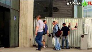 Joint w miejscu publicznym - Wapniak