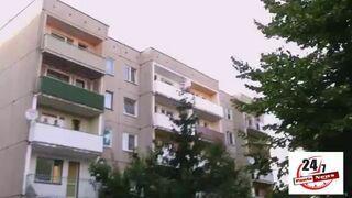 Kaskader w slipkach uciekał przed policją z balkonu na balkon
