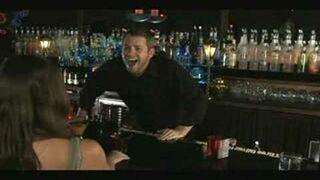 Barman ucisza laski swoim śmiechem