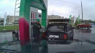 Breakdance na stacji benzynowej w Rosji