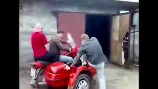 Zwariowane chłopaki z Rosji na sidecar
